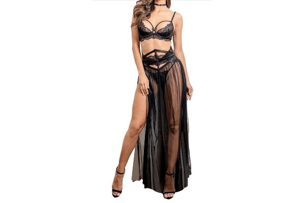 Wardrobe Idea: Black w/Skirt