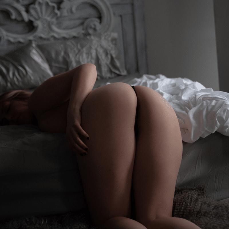 naked boudoir photos